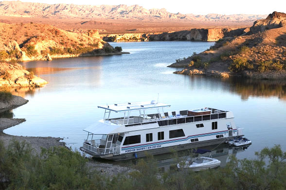 rent a houseboat for the lake mead centennial celebration